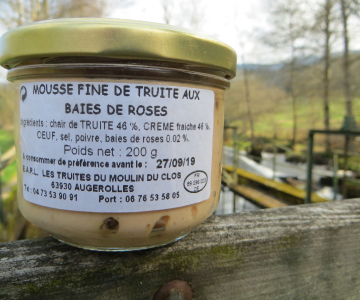 Mousse fine de truite aux baies roses 200g - 8,8€ (44€/kg)